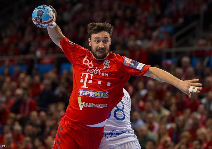 A veszprémi Lékai Máté a férfi kézilabda Bajnokok Ligája 13. fordulójában  játszott Telekom Veszprém - 0c5d018735