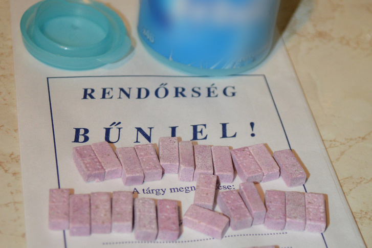 MDMA-gyanús tabletták