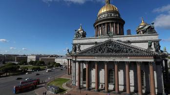 Washingtoni bombákról daloltak Szentpétervár legnagyobb székesegyházában