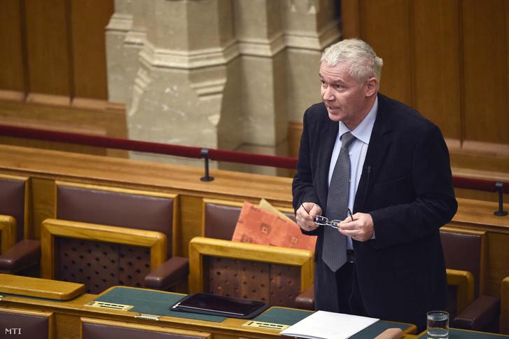 Polt Péter legfőbb ügyész azonnali kérdésre válaszol az Országgyűlés plenáris ülésén 2019. február 25-én.