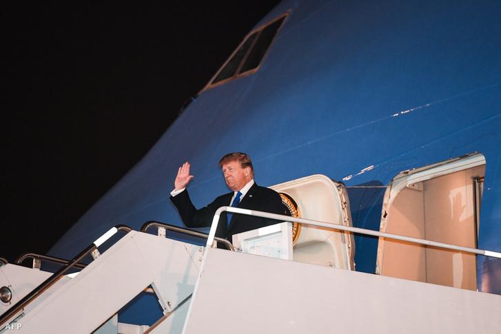 Donald Trump megérkezett a Hanoi reptérre 2019. február 26-án