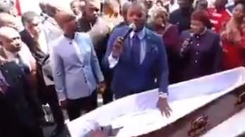 Egy dél-afrikai lelkész feltámasztott egy amúgy eléggé remegő halott férfit