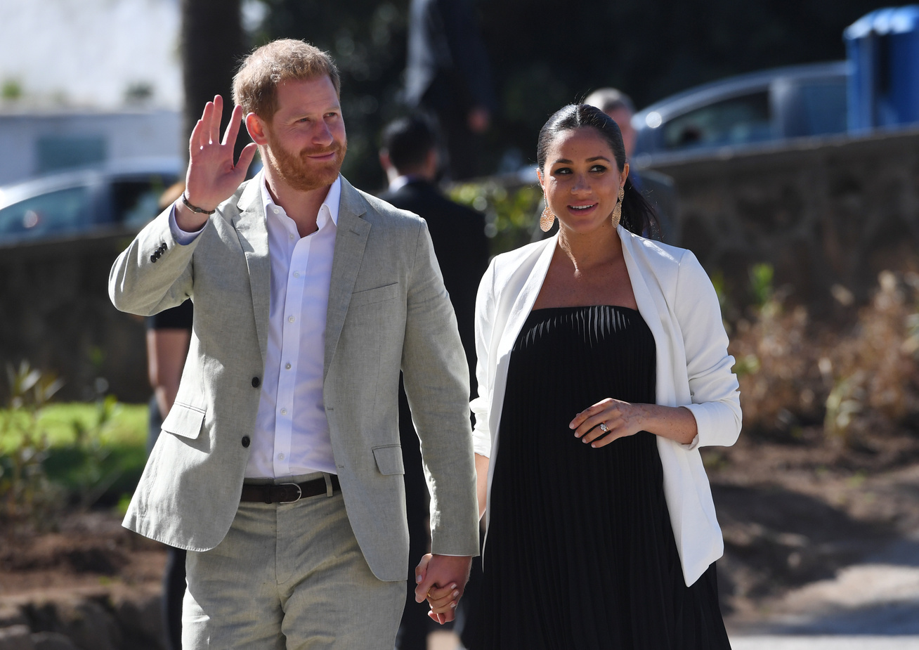 meghan-hercegne-harry-herceg-terhesseg-vicc-cover