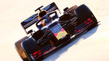 Vettel Ferrarija a falban, Sainz tesztcsúcsot futott