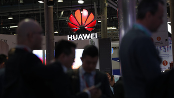 Elszúrta a Huawei, de dől hozzá a pénz