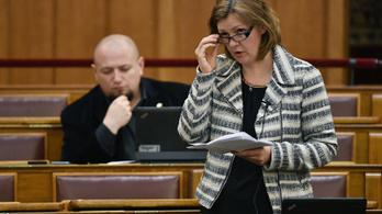 Hegedűs Lorántné parlamenti mandátumáról is lemond