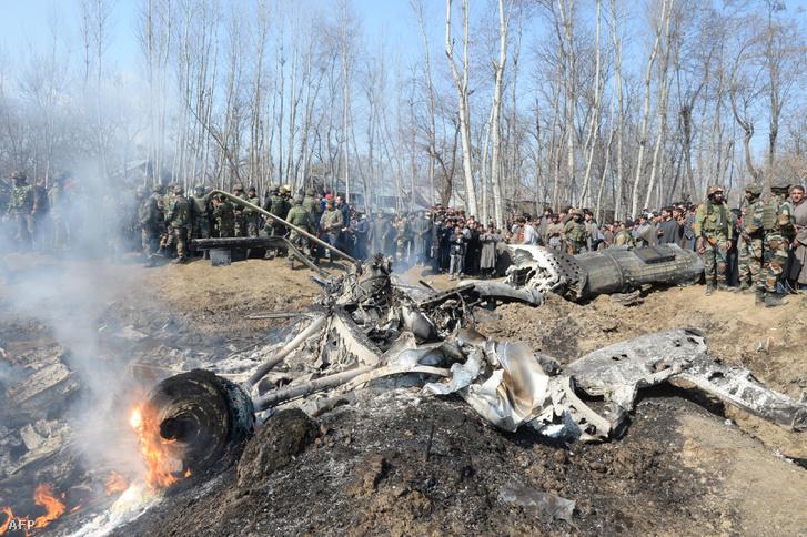 Egy 2019. február 27-én lelőtt az indiai légierő kötelékébe tartozó helikopter roncsai