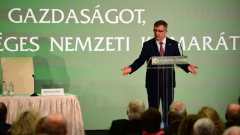 Matolcsy: 330 javaslattal beérhetjük Ausztriát