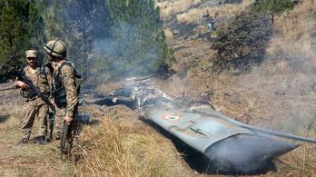 India és Pakisztán is harci gépet veszthetett a szerdai összecsapásban