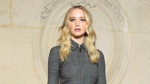 Jennifer Lawrence menyasszonyként jelent meg egy párizsi divatbemutatón