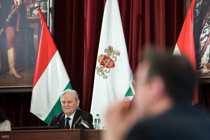 Tarlós István főpolgármester a Fővárosi Közgyűlés ülésén a Városháza dísztermében 2019. február 20-án.