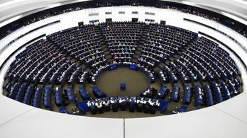 Jobban bíznak a magyarok az Európai Parlamentben, mint a nemzetiben