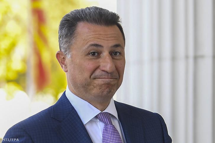 Nikola Gruevszki volt macedón miniszterelnök a macedón fellebbviteli bíróságra érkezik Szkopjéban 2018. október 5-én