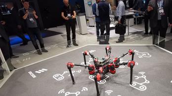 Magyar robotpók hódítja meg a barcelonai mobilkiállítást