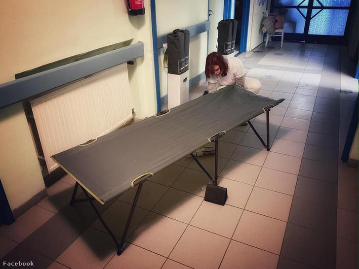 Ilyen ágyat adományoztak a Heim Pál Gyermekkórháznak is