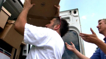 Kisbusznyi adományt vitt a Poronty Felsőzsolcára