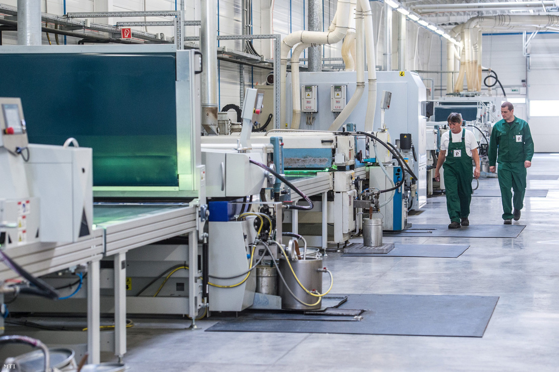 A Graboplast Zrt. parkettalakkozó és megmunkáló üzeme Kecskeméten. A cég a kiemeltexportőr-partnerségi program (kepp) résztvevője lett 2019 januárjában. A program kilenc magyar tulajdonú, az exporthoz jelentősen hozzájáruló vállalat és a szaktárca együttműködésével jött létre.