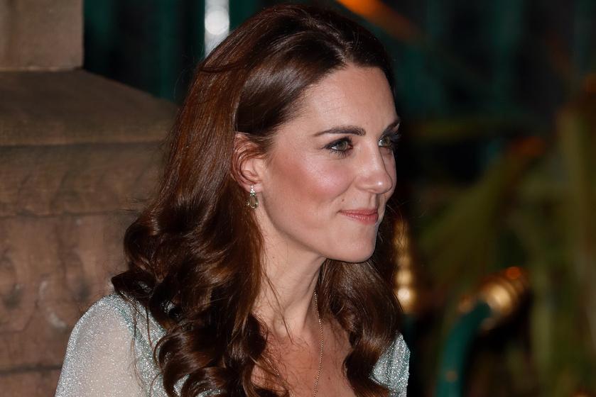 1a309a76ae Katalin hercegné csillogó estélyiben tündökölt Írországban - Áttetsző  ruháját mindenki imádta