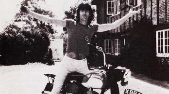 Hat motort loptak el a Rolling Stones gitárosától