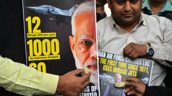 Harcba szólította 1 milliárd 300 milliós népét az indiai miniszterelnök