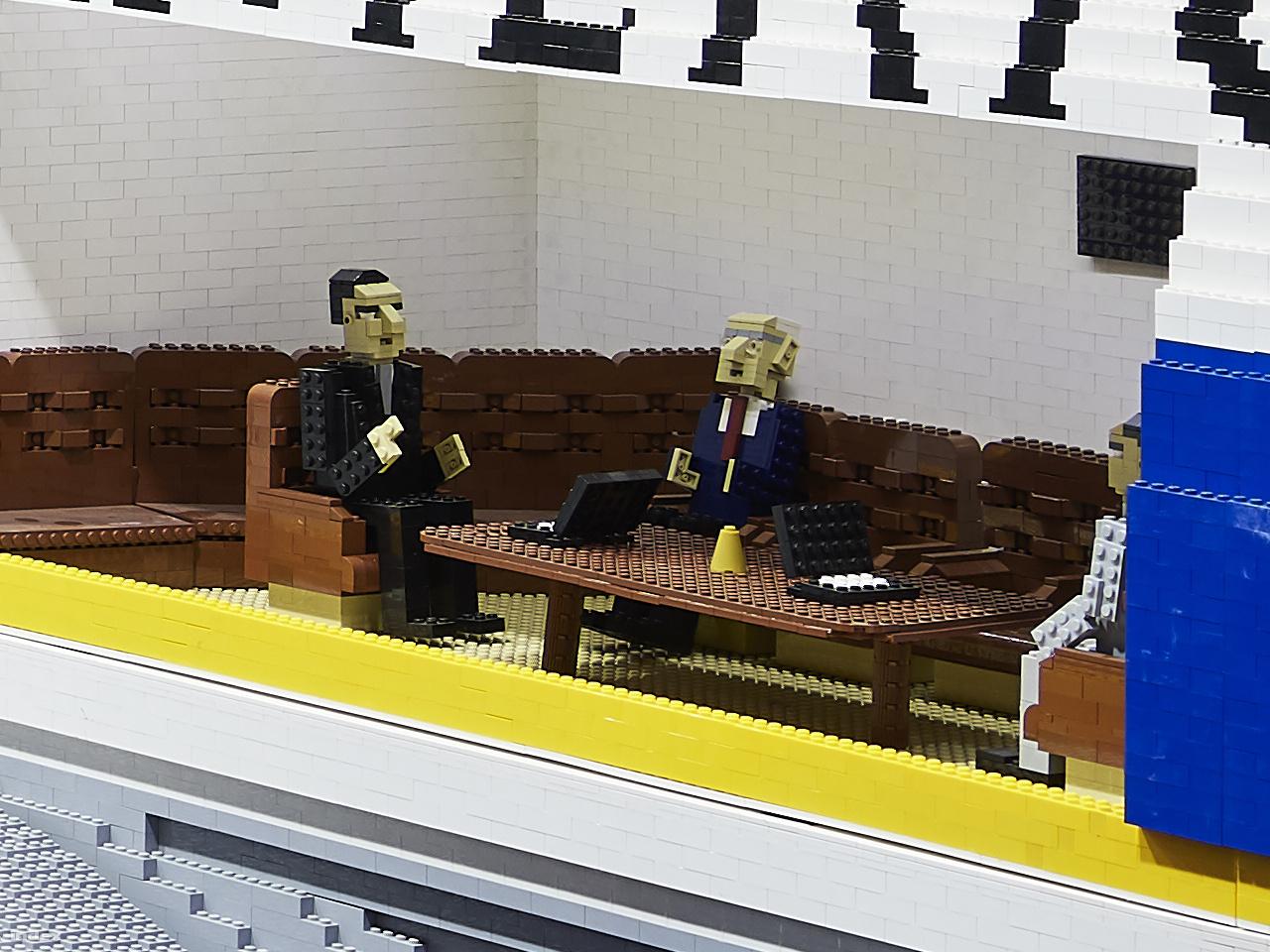 Egy elnöki ügy – 100 százalékos képkivágás a fenti fotó 150 megapixeles eredetijéből.