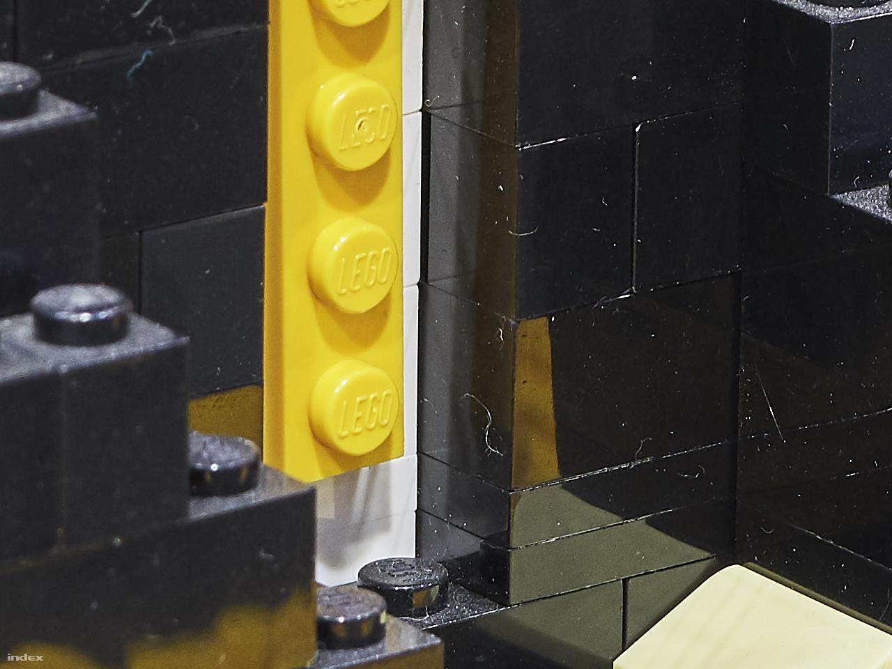 Elnöki nyakkendő – 100 százalékos képkivágás a fenti fotó 150 megapixeles eredetijéből.