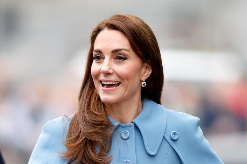 57a8a47fb2 Katalin hercegné ruháján nevetnek a rajongók - Ehhez hasonlítják a szettjét