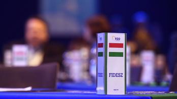 Európai párttársai egyötöde kizáratná a Fideszt a Néppártból