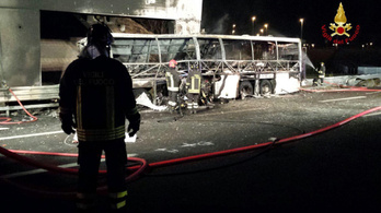 Veronai buszbaleset: ügyvédei szerint nem a megvádolt sofőr vezette a buszt