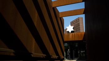 Népszava: Idén sem nyit meg a Sorsok Háza, és Schmidt Mária már kimaradhat belőle
