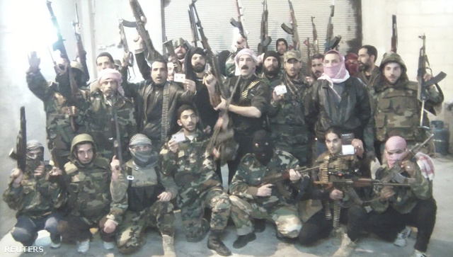A Szabad Szíriai Hadsereg tagjai egy, a héten közölt videófelvételen