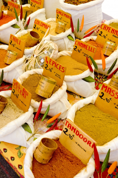 stockfresh 426176 spices-street-market-in-castellane-provence-fr