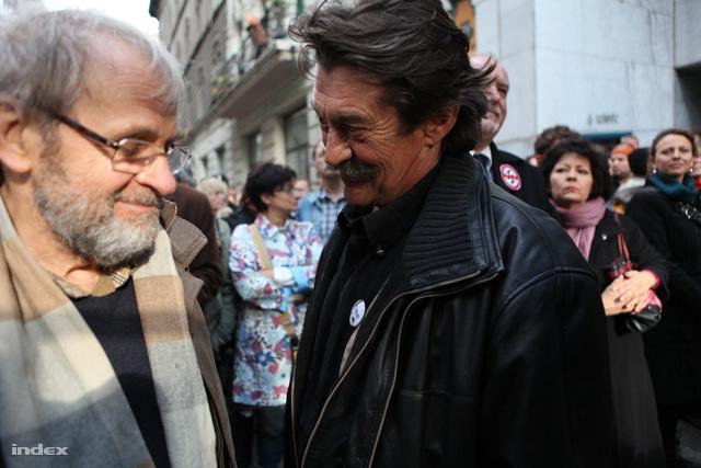 Galkó Balázs a Dörner György kinevezése elleni, 2011. október 22-i tüntetésen
