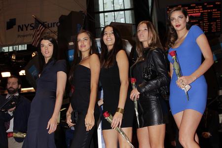 Crystal Renn, Irina Shayk, Jessica Gomes, Nina Agdal és Michelle Vawer