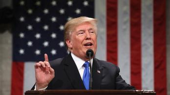 Trump kétórás beszédben osztott ki mindenkit