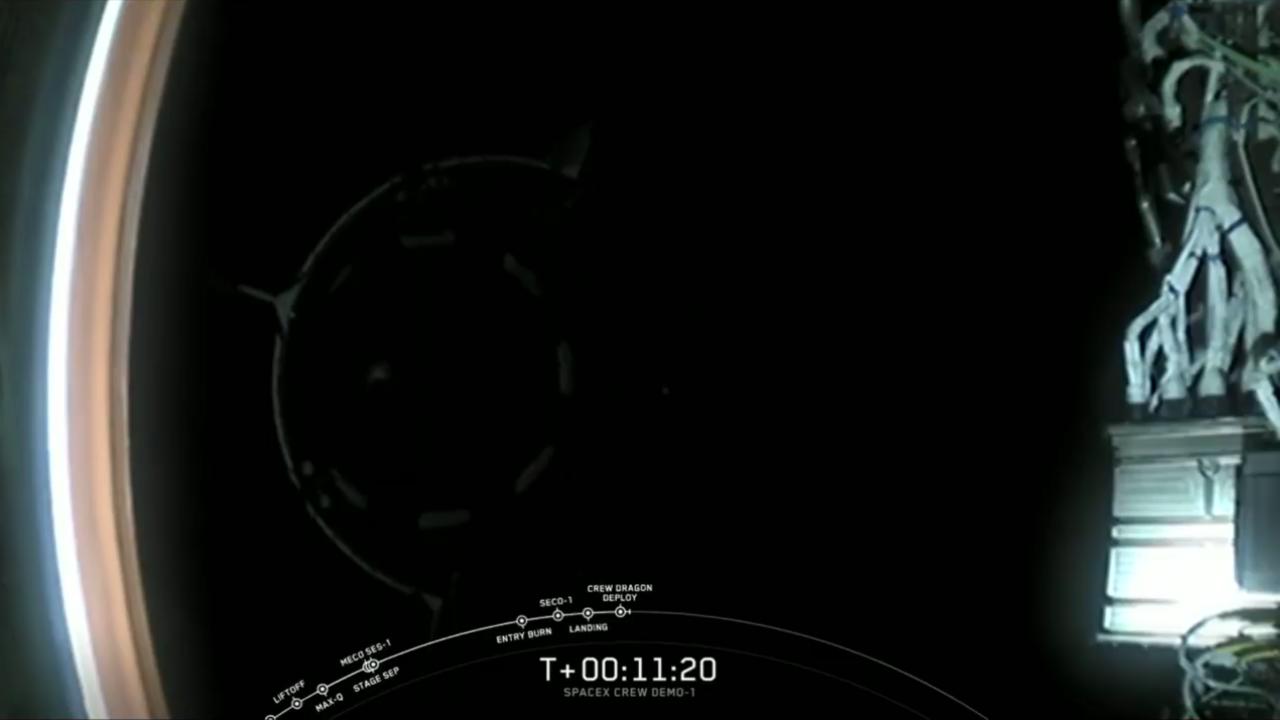 11 perccel a start után a Crew Dragon rendben levált a második rakétafokozatról és elindult kb. egy napig tartó útjára, hogy az ISS közelébe kerüljön.