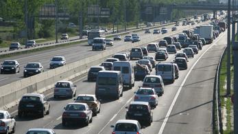 Durván büntetik a sztrádák középső sávjában autózókat a belgák