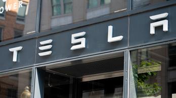 Március 14-én jön az új Tesla