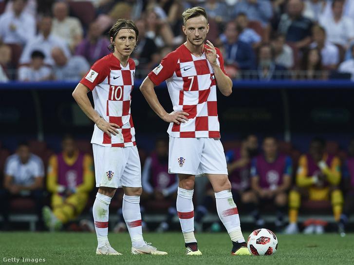 Luka Modric és Ivan Rakitic az orosz világkupán 2018. július 15-én