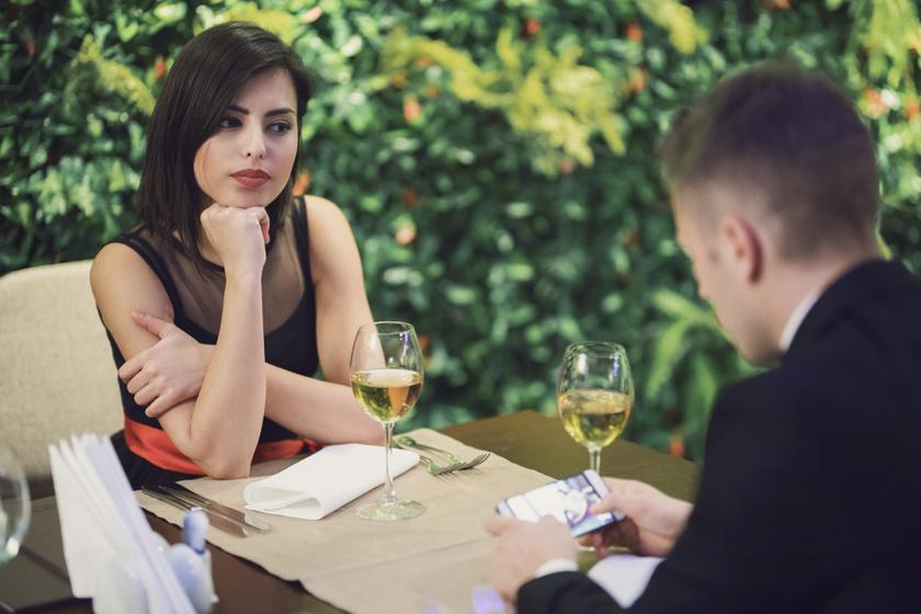 online randevú miért nem működik emo társkereső játékok