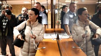 Otthagyta a parlamentet az ellenzék, és a Nyugdíjfolyósító Főigazgatósághoz vonult