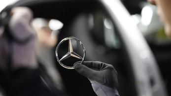 Csoportos leépítést jelentettek be a Mercedes egyik legnagyobb beszállítójánál