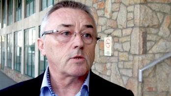 Fideszesek: A köztisztviselőknek a túlóra valójában lehetőség