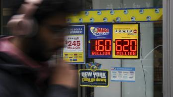 Jelentkezett másfél milliárd dollárjáért az amerikai lottónyertes