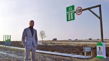 Átadták azt az egyméternyi autópályát, amelyet tiltakozásul épített egy román vállalkozó