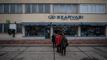 3 hónappal a csőd előtt 752 millió állami támogatásról kötött szerződést a Szarvasi-gyár