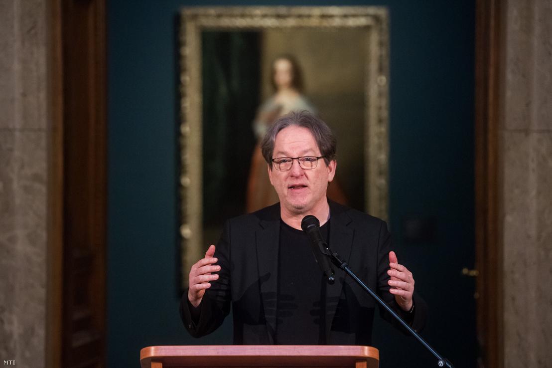 Baán László főigazgató beszél a Szépművészeti Múzeumban tartott sajtótájékoztatón 2019. február 19-én