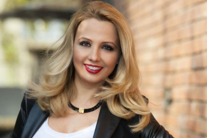 Gombos Edina 2015-ben köszönt el a TV2-től. Közösségi oldalát utazási vlogként is használja.