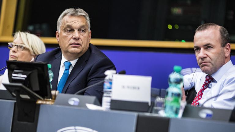 Milyen válaszokra számíthat Weber Orbántól?