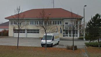 12 autópálya-rendőrnek meghosszabbították a letartóztatását Győrben